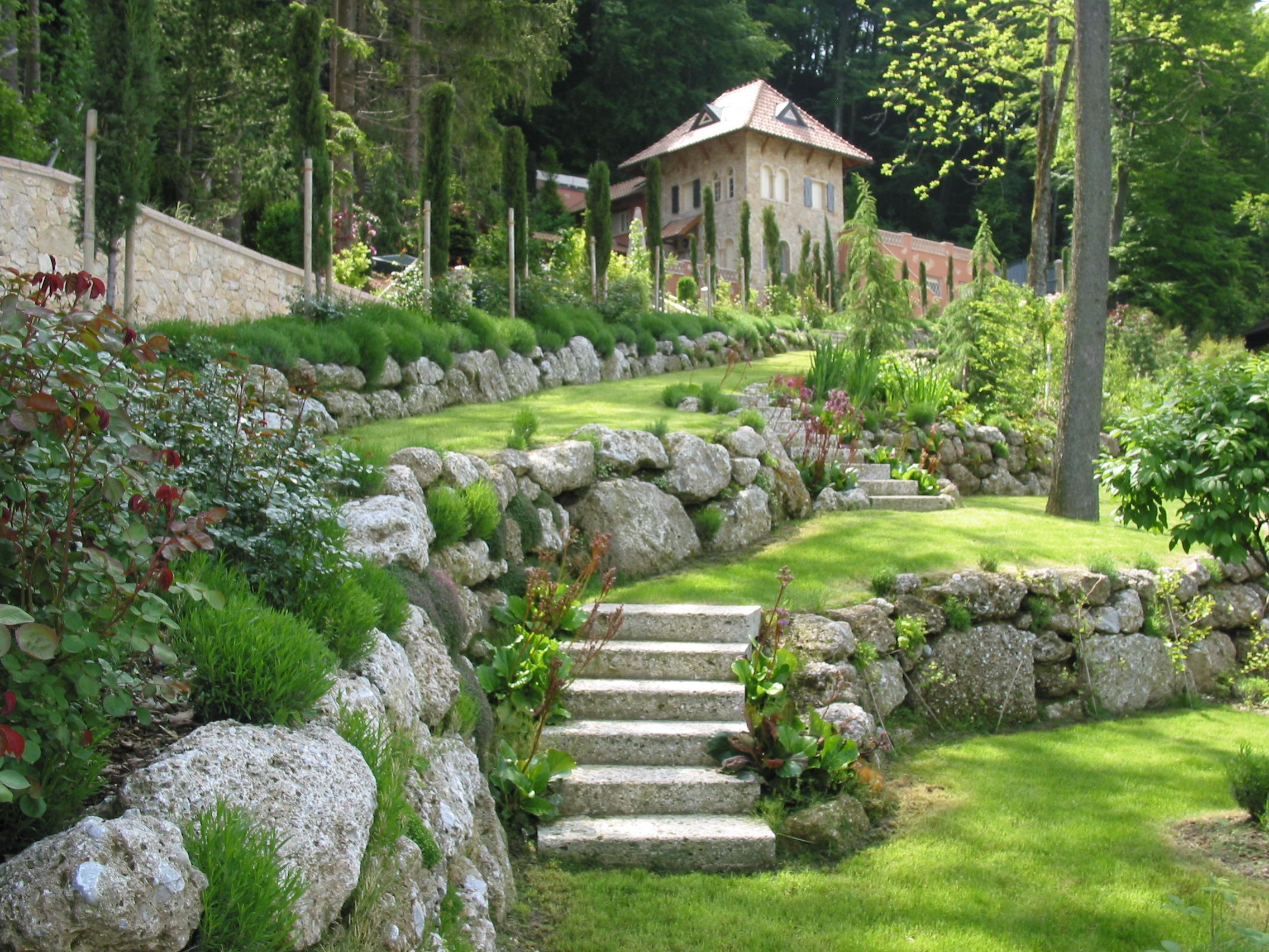 Gartengestaltung mit naturstein gartengestaltung for Gartengestaltung beispiele
